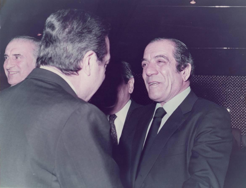 El-Padre-Amín-con-el-entonces-presidente-Raúl-Alfonsín.-1.jpg